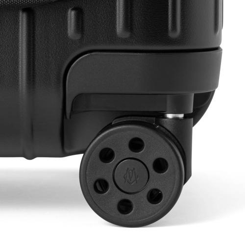 [1-3泊] リモワ エッセンシャルスリーブ コンパクト 31L マットブラック 4輪 RIMOWA ESSENTIAL SLEEVE COMPACT