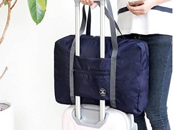 対応策 スーツケースを2つに分ける、もしくは旅行用品の折りたたみ旅行バッグにて、増え過ぎてしまった荷物を分散する事です。